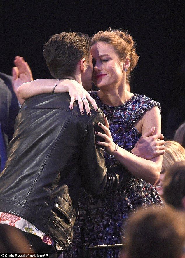 Best Boyfriend Award Trophy Beautiful Brie Larson Gushes About Alex Greenwald as She Wins Best