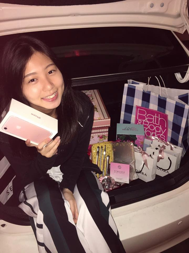 "Best Boyfriend Of the Year Award Lovely M'sian Dubbed ""best Bf Ever"" for Surprising Gf with Car"