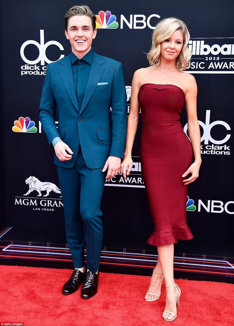 Best Girlfriend Of the Year Award Lovely 2018 Billboard Music Awards Best Dressed Stars On the Red