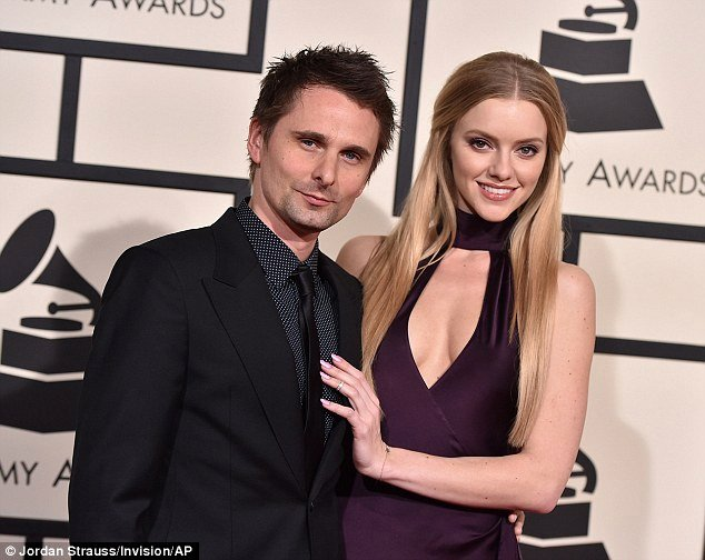 Best Girlfriend Of the Year Award Luxury Matt Bellamy S Girlfriend Elle Evans Can T Keep Hands Off