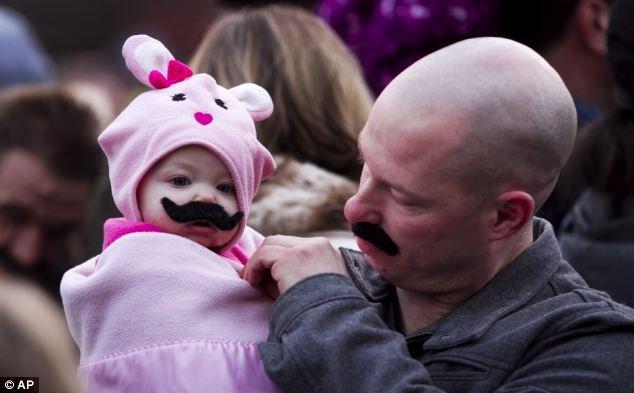 Fake Guinness World Record Certificate Unique Michigan Festival Breaks World Record for Most People