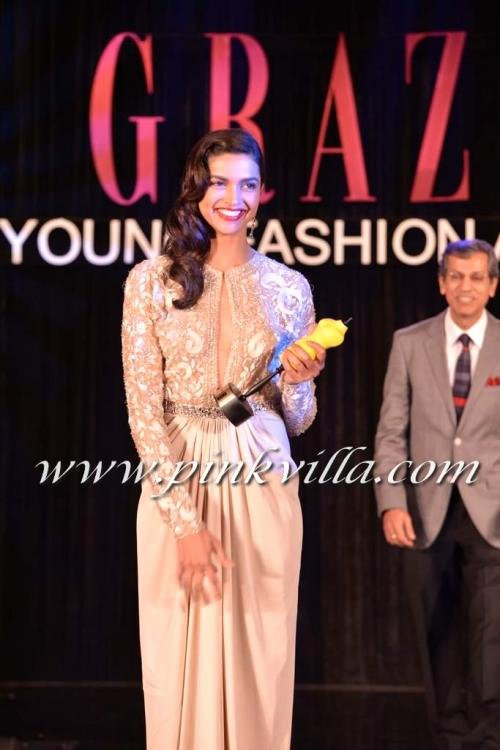 Girlfriend Of the Year Award Best Of More Pics Deepika Padukone Receiving Girl Of the Year