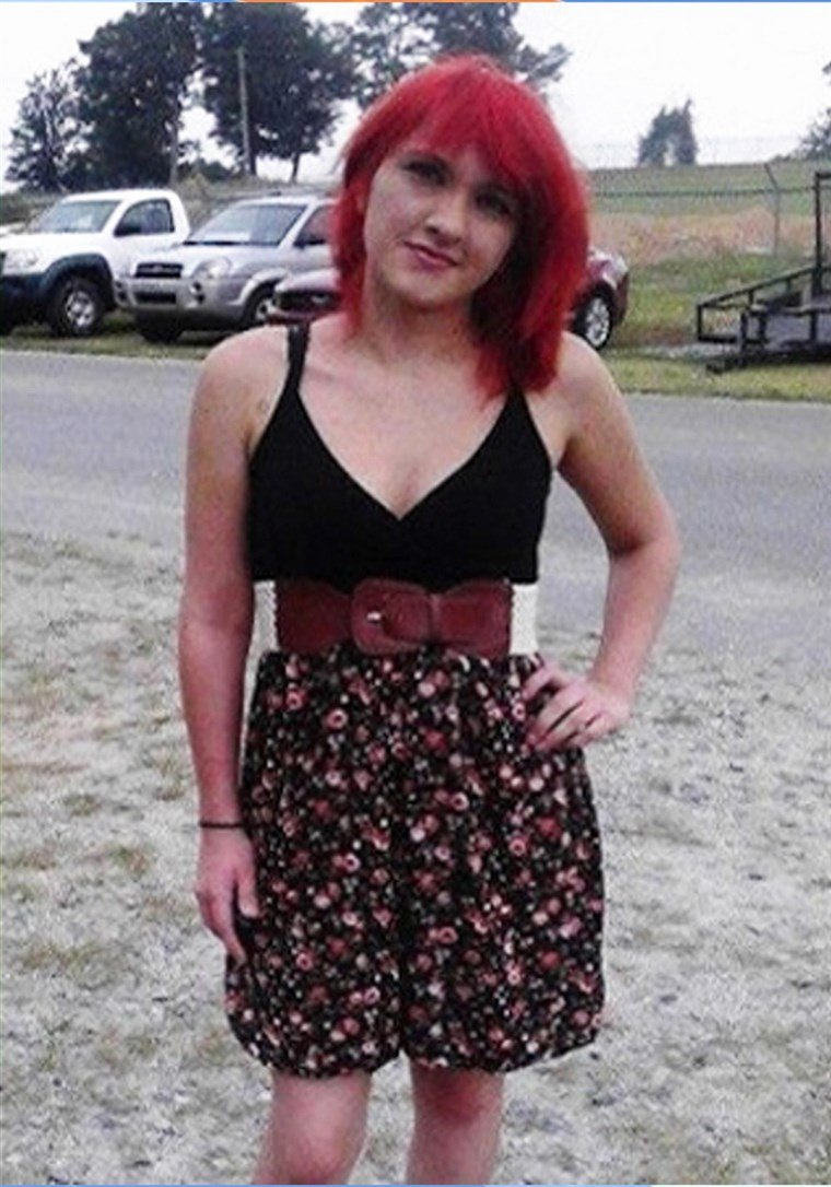 Graduation Outfit for Mom Pinterest Best Of Mom Wears Same Dress to Graduation that Got Her Daughter