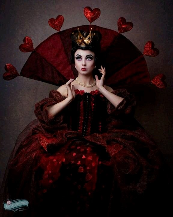 "Queen Of Hearts Costume Pinterest Fresh the Red Queen Costume "" F with Your Head "" Lovely Spin"